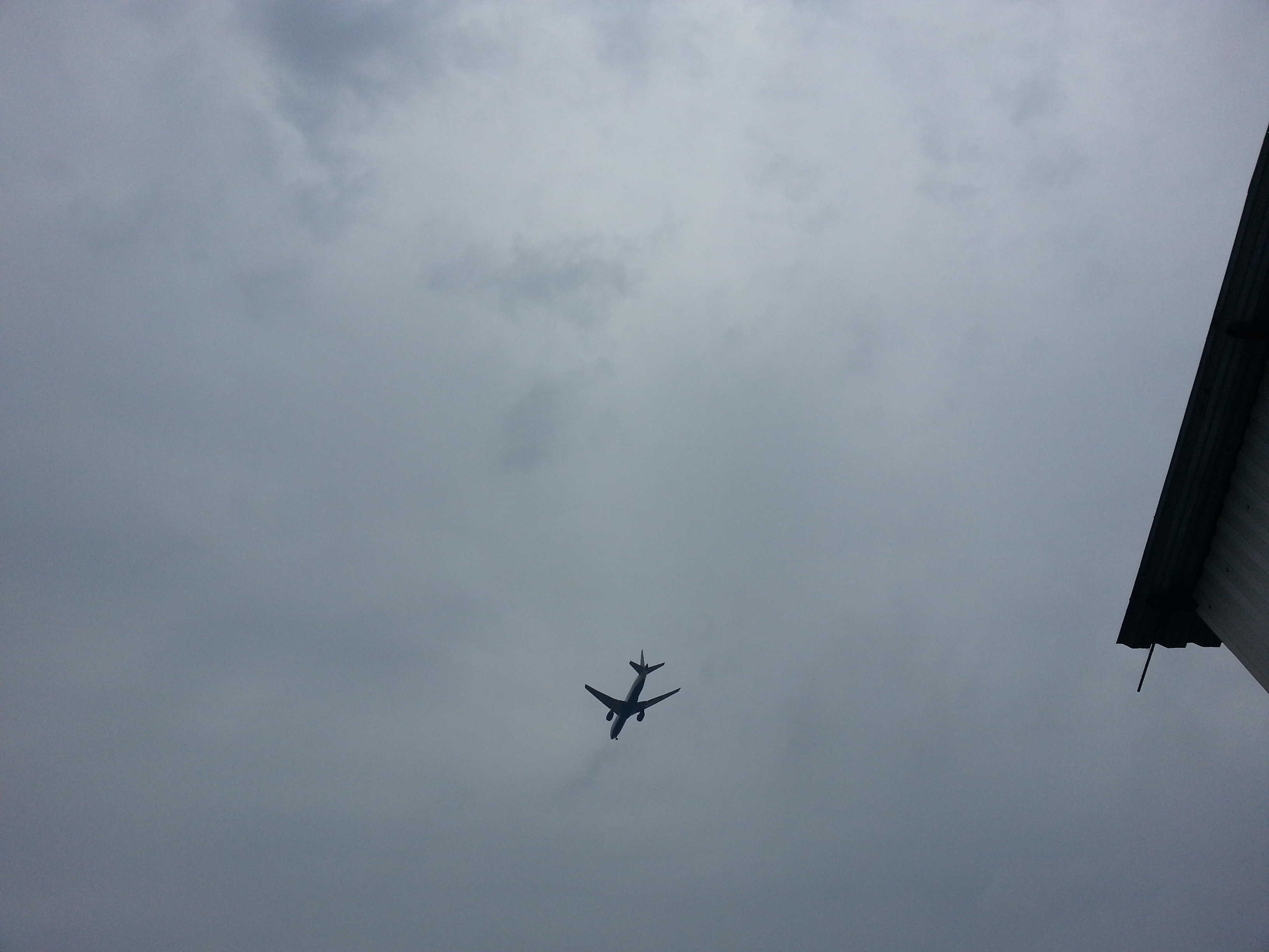 самолёты над градом Московским