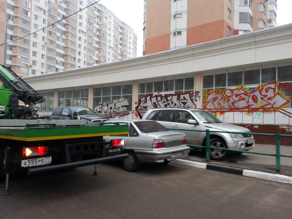 Работают эвакуаторы в граде Московском