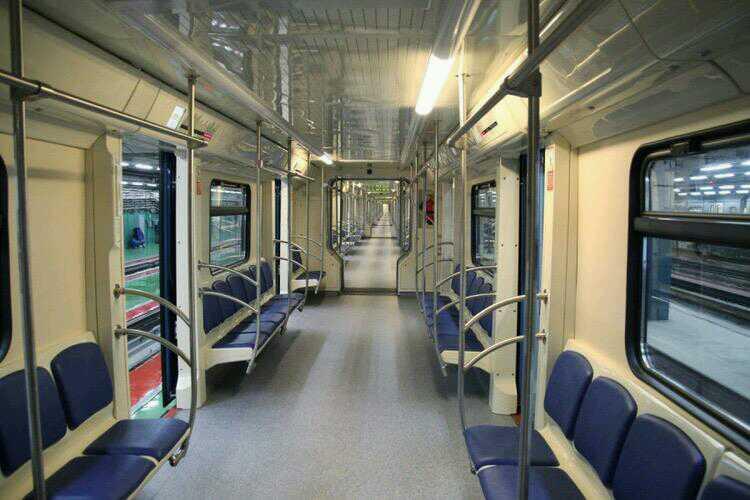 в Москве запущена новая сквозная электричка метро