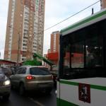 в Московском эвакуаторы создают пробки и блокирую движение