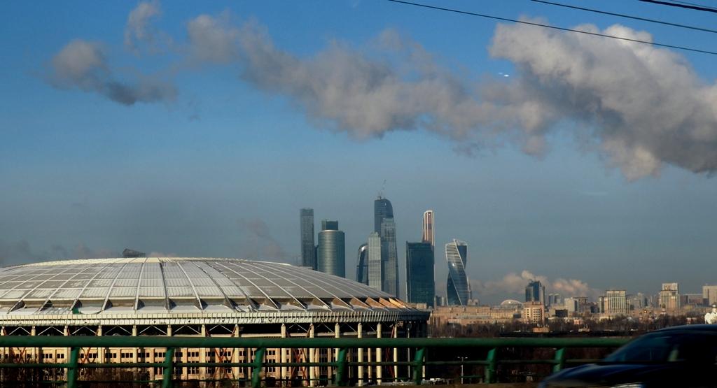 Работы по благоустройству территории олимпийского комплекса «Лужники»