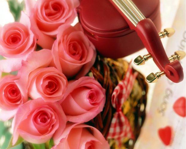 Что подарить любимой женщие на 8 марта